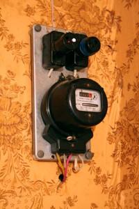 Электрический счетчик старого образца