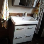 Установка смесителя в ванной