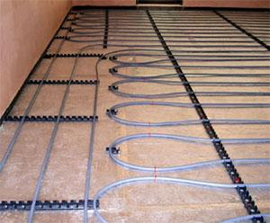 В индивидуальных домах теплые полы подключаются к котлу вместе с. Какие схемы используются при подключении теплых...